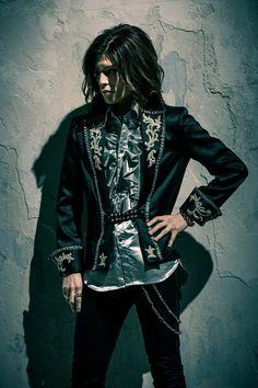 Matenrou Opera Guitarist -> Anzi