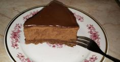 Mennyei Chocolate Chunk Mousse Cake recept! Krémes-csokis torta, sütés nélkül. Csokiimádóknak kötelező! Anyukámnak készítettem, csak úgy, mert szereti...