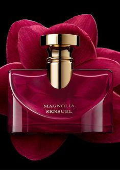 Bvlgari Splendida Magnolia Sensuel - Top notes: tangerine seed oil, orange blossom oil Heart: Chinese magnolia, essence of orange blossom, jasmine essence Base: patchouli, musk, Tahitian vanilla