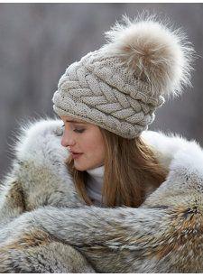 41 ideas for how to wear winter hats beanie pom poms Samantha Lear Cute Crochet, Hand Crochet, Jungle Hat, Knitted Hats, Crochet Hats, Fall Hats, Ski Wear, Snow Fashion, Winter Hats For Women
