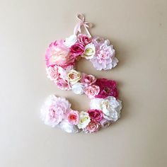 This listing is for custom flower letter in pale pink, pink, white and gold or your choose colors. Its possible to match it to any decor/fabric of the room/occasion. A perfect decor for your dream interior, birthday party, bridal party or wedding - will freshen up any type of room -