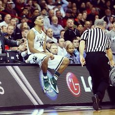 #SpartanNation will have to wait until all 3rd Round games are completed today to hear tip time for Friday's Sweet 16 matchup in New York. #statebasketball #msu #spartans #Padgram
