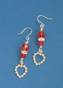 Learn to make sweetheart earrings with Swarovski beads and components. Designed by @Jenny Rohrs