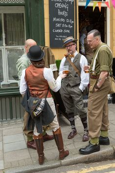 The Tweed Run - London 2014 - Neil Cordell Photography Tweed Ride, British Country Style, Look Fashion, Mens Fashion, Fancy Dress Ball, Vintage Outfits, Vintage Fashion, Cycle Chic, Gentleman Style