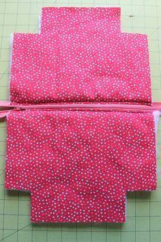 Zipper Pouch Tutorial - Peek-a-Boo Pages - Patterns, Fabric & More!, # Sewing Tutorials Gifts Zipper Pouch Tutorial - Peek-a-Boo Pages - Patterns, Fabric & More! Easy Sewing Projects, Sewing Projects For Beginners, Sewing Hacks, Sewing Tutorials, Sewing Crafts, Sewing Tips, Makeup Bag Tutorials, Lunch Bag Tutorials, Diy Makeup Bag
