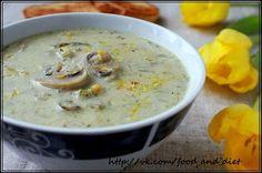 Куриный суп с цуккини и шампиньонами  Калорийность на 100 гр - 64 ккал  ИНГРЕДИЕНТЫ (на 6 порций): - 400 гр готовой курицы (отварной или запеченной) - 1,5 л куриного бульона - 2 крупных стебля сельдерея - 2 средних моркови - 1 крупная луковица - 2 ст.л. муки - 100 гр сухого коричневого риса - 1 небольшой цуккини (около 200 грамм) - 200 гр свежих шампиньонов - 250 мл нежирных сливок (10%) - 2 ст.л. растительного масла - соль и перец по вкусу РЕЦЕПТ: - Морковь, лук и сельдерей нарезаем…