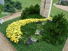 Garden Landscaping, Stepping Stones, Landscape, Nye, Outdoor Decor, Plants, Home Decor, Amigurumi, All Saints Day