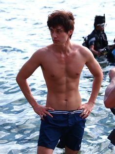 Lee Dong-wook reveals abs @ HanCinema :: The Korean Movie and ...