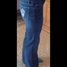 American Rag gently used but very flattering I love these jeans size 5 with slight flare worn maybe 5 times American Rag Jeans