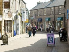 Bakewell, Peak district, Derbyshire, UK. (The town shopping centre at Bakewell,Derbyshire,England,UK.)