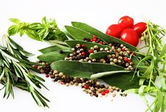 † ♥ ✞ ♥ † Herbs and spices are considered super foods. They are rich in substances that contribute to our health. Read here about Health Benefits of Common Herbs and Spices. Natural Health Remedies, Home Remedies, Old Farmers Almanac, Types Of Arthritis, Fat Burning Diet, Spices And Herbs, Fresh Herbs, Gardens, Herbs