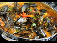 mussels marinara spicy results - ImageSearch Mussels Recipe Tomato, Mussels Marinara, Tomato Sauce, Shrimp Recipes, Sauce Recipes, Amstaff Terrier, Chorizo Sausage, Healthiest Seafood, Spicy Chili