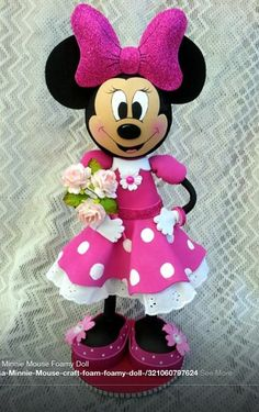 TWAG (scrapwluv) Handmade by Rosa. Minie Mouse Party, Mickey Minnie Mouse, Handmade Crafts, Diy And Crafts, Mickey Birthday, Clothespin Dolls, Mickey And Friends, Foam Crafts, Mouse Parties