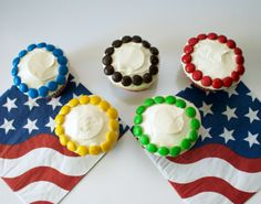 Throwing an Olympic themed party? Don't forget to add these colorful, easy, and delicious cupcakes to your dessert table: Olympic Rings Cupcakes! Kids Olympics, Birthday Party Games, Birthday Bash, Yummy Cupcakes, Cupcake Party, Holiday Desserts, Dessert Table, Olympic Games, Olympic Golf