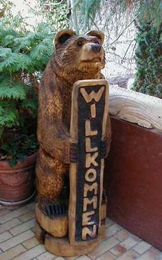 Simple Wood Carving, Wood Carving Art, Museum, Scroll Saw, Driftwood, Wood Projects, Woodcarving, Bear, Chainsaw Carvings