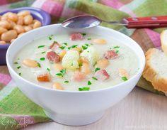 Крем-суп из цветной капусты с фасолью и беконом