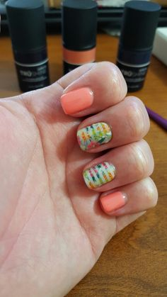 Uggggggggggggh I LOVE LOVE LOVE this tropical look. Jamberry Kingston wrap with Trushine gel in Crushing on Coral. Perfect summer combo.