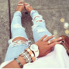 Esta los jeans blanco es muy bonita los jeans Amarillo.