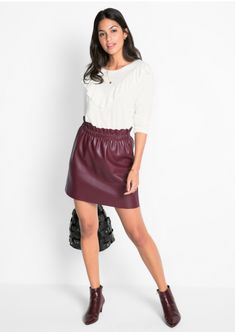 spódnica damska, moda damska, koszulka, sandałki, moda online, wiosenna moda Mantel, Dame, Leather Skirt, Skirts, Fashion, Light Jacket, Mini Skirts, Red, Jackets