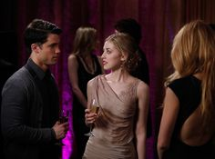 "'Gossip Girl,' Season 5, Episode 19: ""It Girl, Interrupted""LOLA RHODES (ELLA RAE PECK)+ Dress: Nude, draped, asymmetrical neckline dress | MTV Photo Gallery"