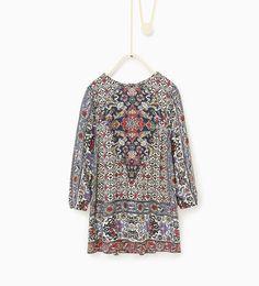 Kjole med tørklædeprint