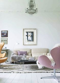 Pastel colors and a vintage Beni Ourain with subtle lines. The Beni Ouarain adds the interest here and gives a striking but understated note to the soft color palette. Elle Decor, Living Room Inspiration, Home Decor Inspiration, Home Living Room, Living Spaces, Living Area, Deco Pastel, Pastel Decor, Grey Room