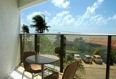 Admire a bela paisagem da praia de Ponta Negra diretamente do seu quarto Super Luxo com vista parcial para o mar (frontal ou lateral) e varanda. Tv Lcd, Windows, Wi Fi, Internet, Water Playground, Play Areas, Xmas, Balcony, Luxury