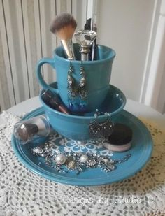 Makeup organizer from old dinnerware. You probably find some old dinnerware in your kitchen. It's a big waste to just throw them away. Transforming them into a super precious makeup and jewelry holder is a super creative way to repurpose them. To learn how to do this DIY exactly, please head to tutorials here.