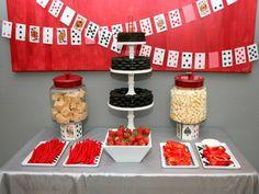 mottoparty ideen casino mafia party tischdekoration spielkarten süßigkeiten