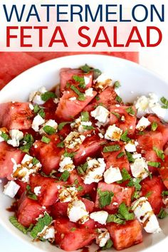 This watermelon feta salad with mint and a balsamic glaze is so light and refreshing. Its the perfect side dish to take to a summer get-together! Watermelon Mint Salad, Watermelon Salad Recipes, Ceasar Salat, Feta Salat, Summer Side Dishes, Cheese Salad, Summer Recipes, Summer Entrees, Best Summer Salads