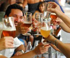 De fiesta entre risas. #begroup #team #amigos #app #momentos #friends #risas #friends #happy #baile #bailar #pub #dicoteca