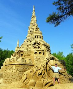 Want to build the best sandcastle with your kids this summer?  Here are some tips!