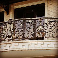 Вот такой вот балкончик...)))  #moscowcity #moscow #ручнаяработа #ручнаяработаназаказ #ручнаяковка #studiyakovki #архитектура #дизайн #строительство