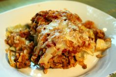 moussaka griechisch The Best Greek Pastitsio recipe (Pastichio)! An authentic Greek Lasagna recipe to recreate this traditional delight just like my grandma used to make it. Easy Baked Ziti, Authentic Greek Lasagna Recipe, Authentic Greek Recipes, Traditional Greek Moussaka Recipe, Bechamel Sauce, Greek Pastitsio, Cabbage Casserole, Gastronomia, Baking Recipes