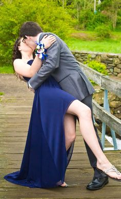 Prom Photography Have all the couples do this ;*