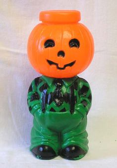Pumpkin blow molds from a website ALL about these cute funky collectibles