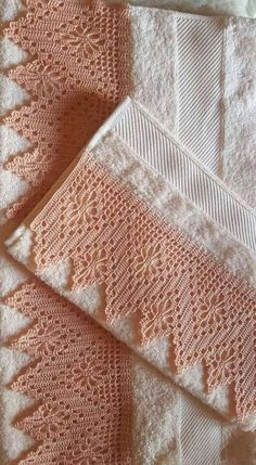 You certainly have seen one or another crochet nozzle around, even if you didn't know that was the name. This is because the crochet nozzle, which is also Crochet Boarders, Crochet Lace Edging, Crochet Motifs, Crochet Trim, Crochet Doilies, Hand Crochet, Crochet Stitches, Knit Crochet, Crochet Patterns