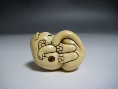 Japanese Netsuke Okimono CUTE FELINE Sleeping Relaxing Cat Kitten