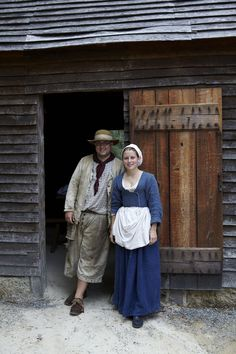 Life in the Colonial Period.  A well-written short summary of men's and women's roles in Colonial America.
