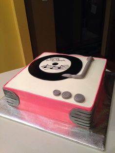 "Record player cake ""80's sweet 16"""