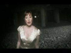 Suzanne Vega - Frank & Ava Suzanne Vega, Ava Gardner, She Song, Music Videos, Singing, Flower Girl Dresses, Angel, Wedding Dresses, Youtube
