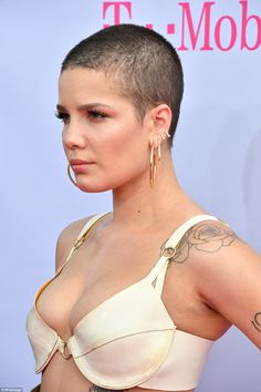 The actress chose to forgo a bra but flaunted her black underwear in the revealing look. She was joined by Lea Michele, Rita Ora and Kate Beckinsale, who all wore see-through dresses. Ideal Beauty, Beauty Women, Chris Stapleton Traveller, Billboard Music Awards 2017, Tamela Mann, Top Country Songs, Hillary Scott, Juju On That Beat, Natural Hair Styles