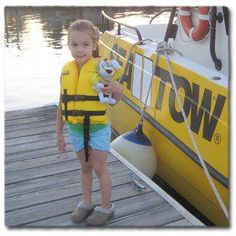 Boating with Kids: 10 Tips for Keeping Youngsters Safe and Happy on the Water - Trending Topics Camping First Aid Kit, Boating Tips, Boating Fun, Boat Safety, Water Safety, Kids Safety, Yacht Builders, Buy A Boat, Boat Stuff