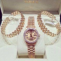 lemme-holla-at-you: champagne-diamondsz: klasszik: Rolex has the best watches. Handbag Accessories, Jewelry Accessories, Jewelry Box, Jewelery, Gold Jewellery, Luxury Jewelry, Cool Watches, Wrist Watches, Men's Watches
