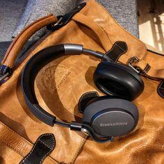 Bowers & Wilkins PX - Wireless Headphones - aptxHD, AAC