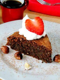 Chocolate and Hazelnut Flourless Cake - Source: Proud Italian Cook Flourless Cake, Flourless Chocolate, Gluten Free Chocolate, Chocolate Hazelnut Cake, Cake Recipes, Dessert Recipes, Cupcake Cakes, Cupcakes, Sweet Tooth