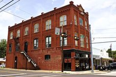 Visit Smithville Texas - Main Street buildings.  Click to see more about this Central Texas railroad town.