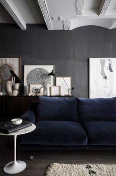 http://abigailahern.files.wordpress.com/2014/01/for-blog2.jpg consol or shelf behind sofa...