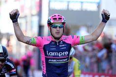 Sacha Modolo (Lampre-Merida) takes his second win of the 2015 Giro d'Italia.