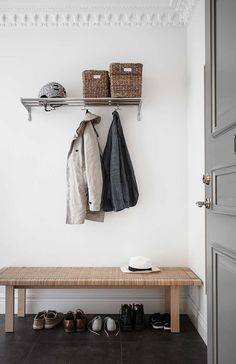 Tour a Calm, Composed and Bright Scandinavian Home - Nordic Design Entrance Hall Decor, Decoration Hall, House Entrance, Hallway Inspiration, Interior Inspiration, White Sideboard, Interior Styling, Interior Design, Soothing Colors